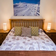 The Brown Room - king-sized, oak bed