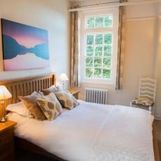 Jack's Room - king-sized, oak bed
